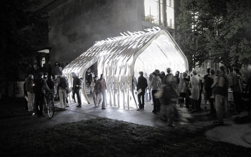 Nick Gelpi, Pavilion